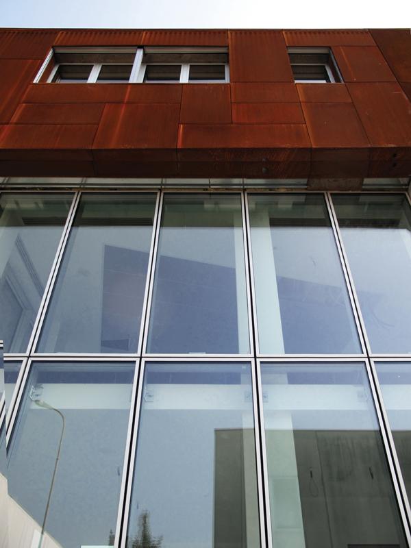 particolare-vetrata-esterna